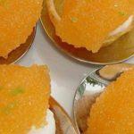 Kaviar auf Kartoffeltarteletts