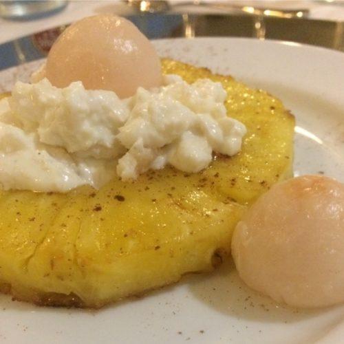 Gegrillte Ananas mit Raffaellocreme